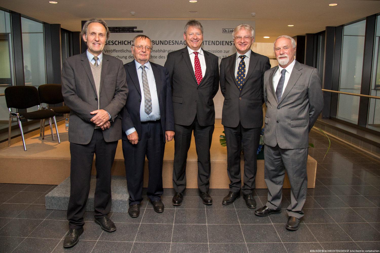 v.l.n.r.: Prof. Dr. Klaus-Dietmar Henke, Prof. Dr. Jost Dülffer, BND-Präsident Dr. Bruno Kahl, Prof. Dr. Wolfgang Krieger, Prof. Dr. Rolf-Dieter Müller
